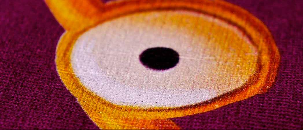 пример печати на темной толстовке