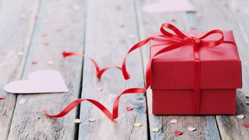 Что подарить коллегам на день Святого Валентина