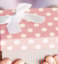 Что подарить племяннице на день рождения