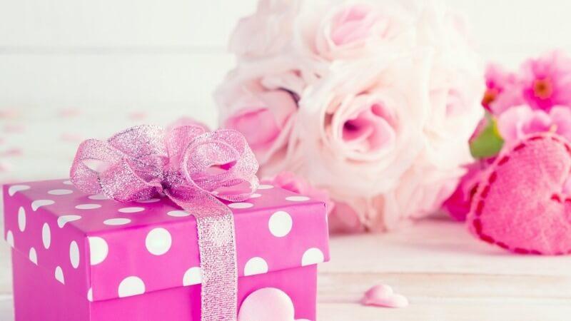 Что подарить жене на рождение ребенка