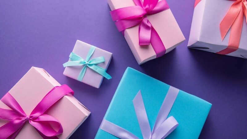 Что подарить подруге на рождение ребенка