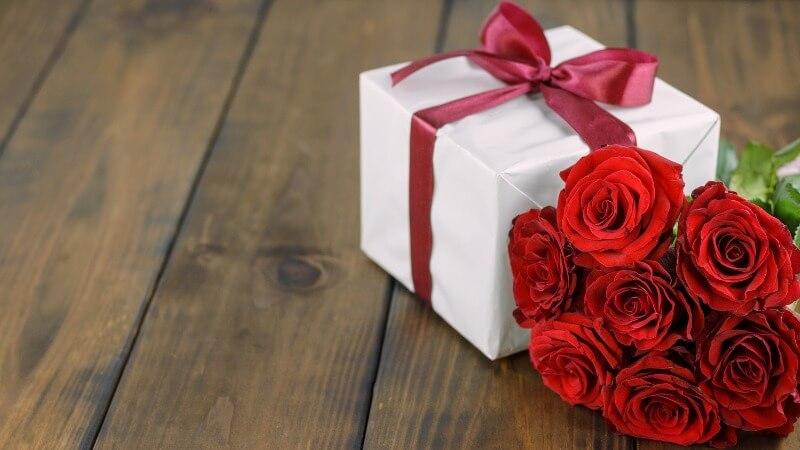 Что подарить сестре на День матери