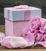 Что подарить теще на День матери