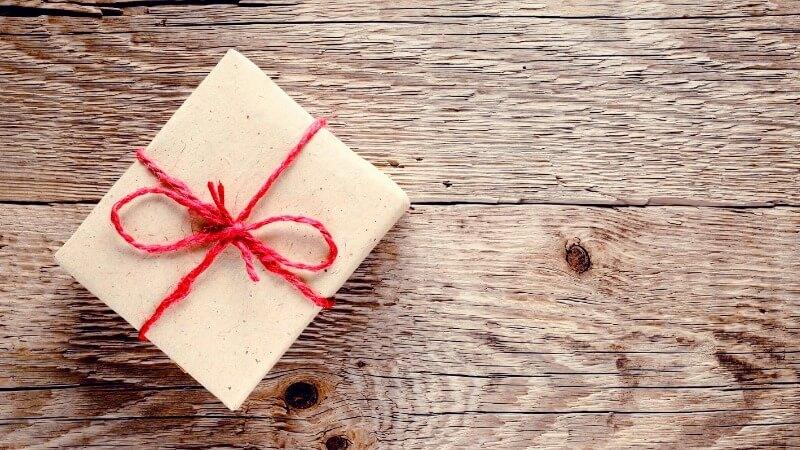 Что подарить дочери на 8 марта