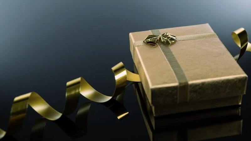 Что подарить мужу на День святого Валентина